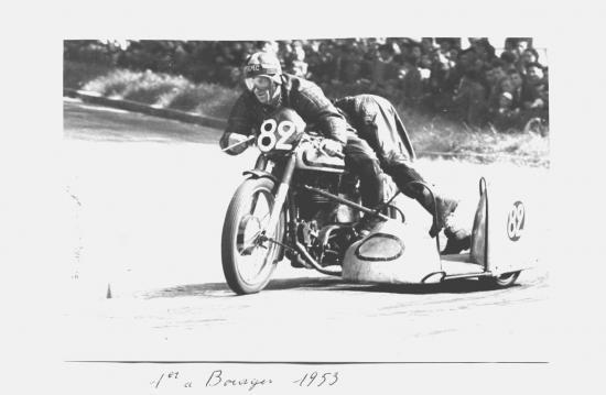 09-N82-1er-a-bourges--1955.jpg