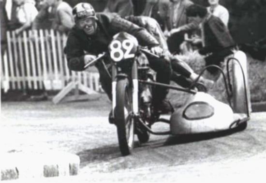 10-N82-1er-a-bourges---1955.jpg